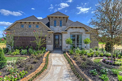 VILLAGES OF CYPRESS LAKES MODEL