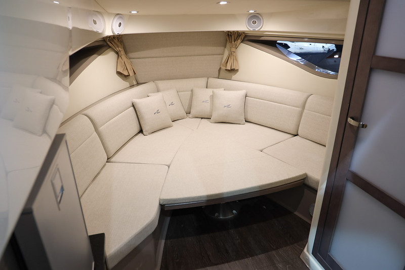 2020-Sundancer-320-Europe-cabin-3.jpg