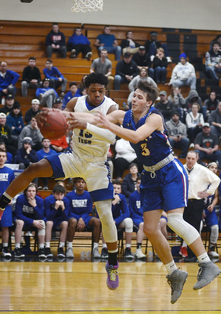Drury boys fall to Worcester Tech in state semi-finals - 031219