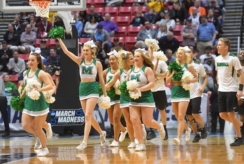 cheerleaders0712.jpg