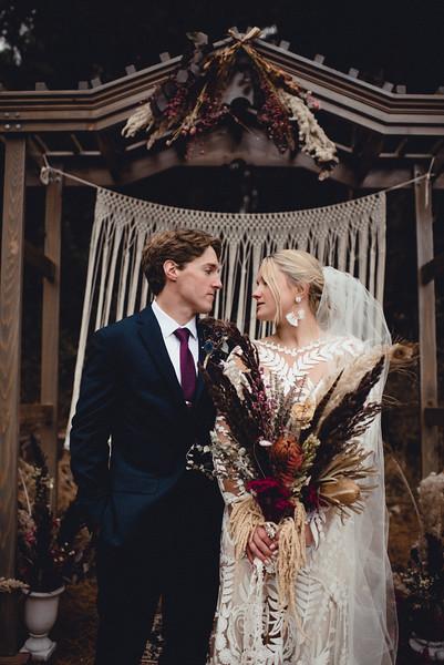 Requiem Images - Luxury Boho Winter Mountain Intimate Wedding - Seven Springs - Laurel Highlands - Blake Holly -1188.jpg