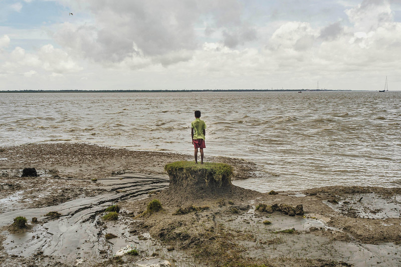 Sea level rise has shrunk India's Ghoramara Island from nearly 8 square miles to 2 square miles in recent decades. ZUMA PRESS:ALAMY.jpg