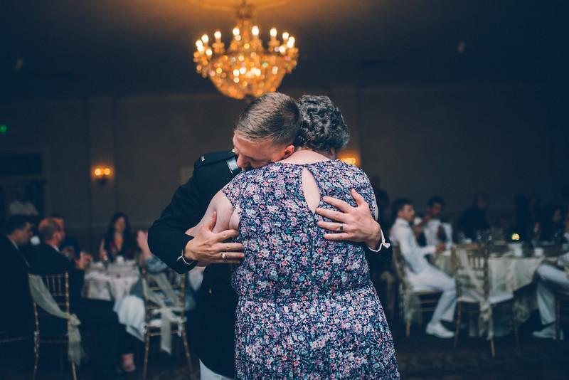 Philadelphia Wedding Photographer - Bernreuther-664.jpg