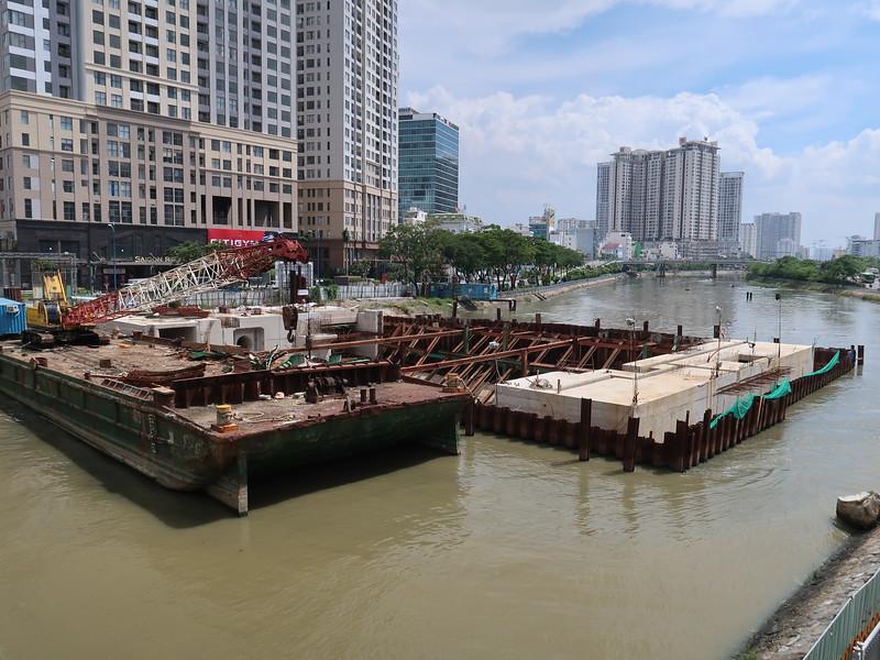IMG_2133-flood-barrier.JPG