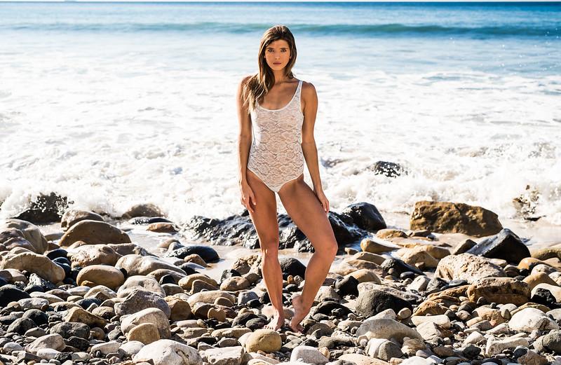 Beautiful Swimsuit Bikini Surfer Girl Athletic Model Goddess !