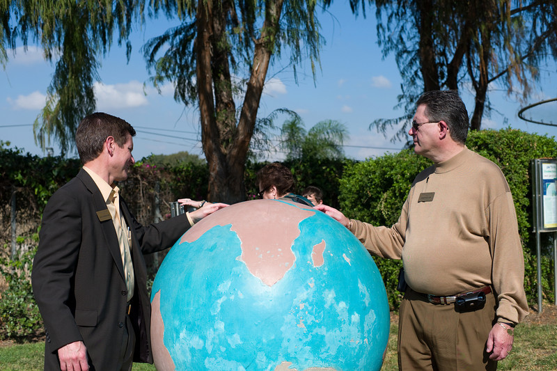 """I think we are about here..."" Secretary Dick Leininkeugel and Jonathan Lipp, CEO of Full Compass Systems at Clore Garden of Science."