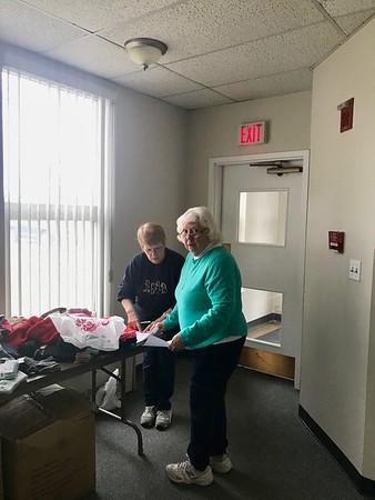 2017.12 Giving Tree helpers