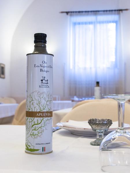 salamina olive oil 2.jpg