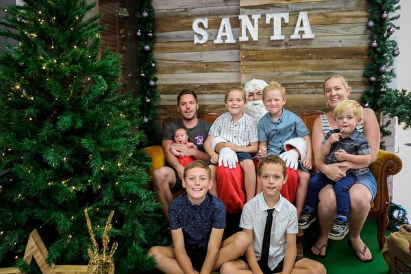 Diver Family Christmas Photos 2018