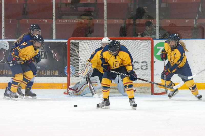 20130310 QWHockeyvsUBC 454.jpg