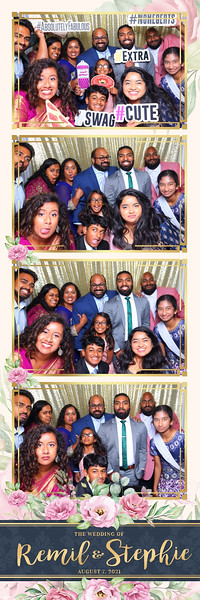 Alsolutely Fabulous Photo Booth 024745.jpg