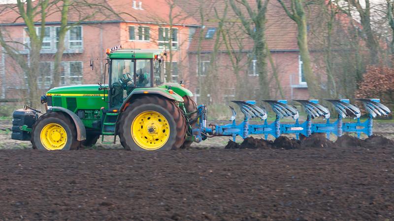 Transport-FarmMachines-2009-04-03-_O1V2014-Danapix.jpg