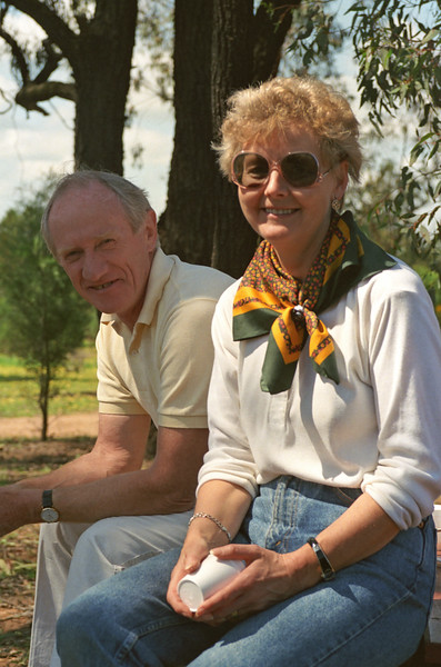 Colin & Enid Holmes at Western Plain Zoo, 1990.