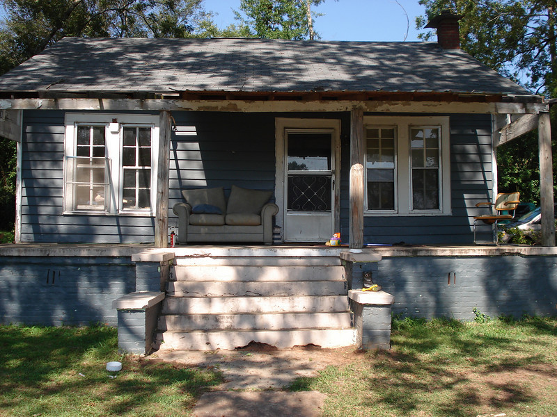 """2008 October - A """"before"""" shot of Donald Tappley's house. Carrie Kujat"""