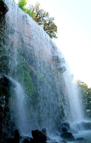 08_19 nice park waterfall DSC04252.JPG