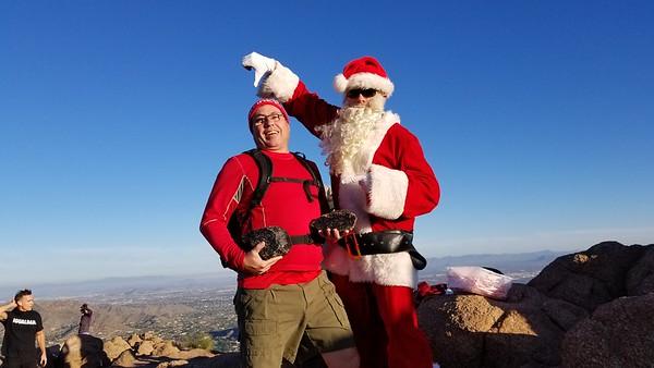 2018-12-24 Camelback Santa Hike