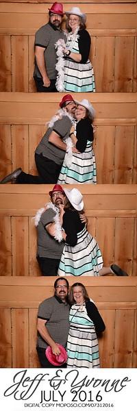 20160731_MoPoSo_Wedding_Photobooth_JeffYvonne-111.jpg