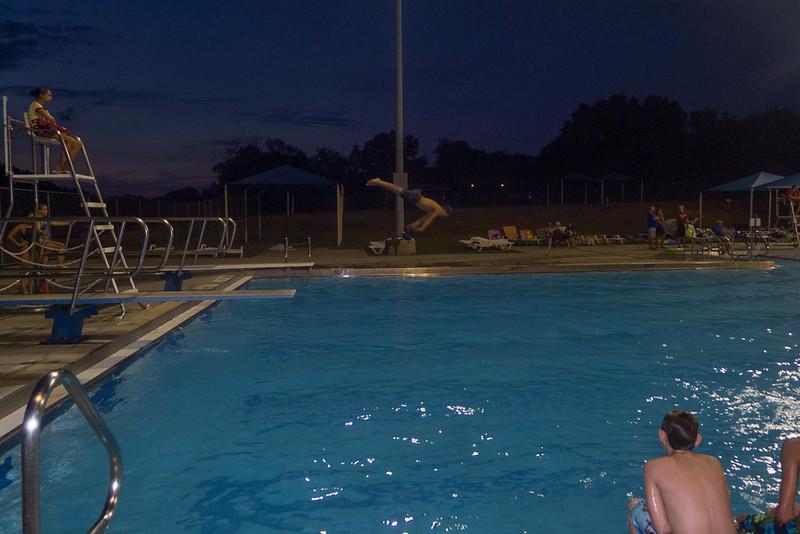 Hampton Dolphins Pool Party-0017-1120772.jpg