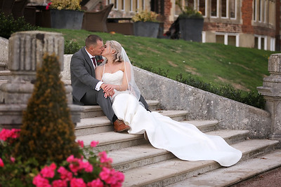 Rebecca & David - DeVere Selsdon Park Estate