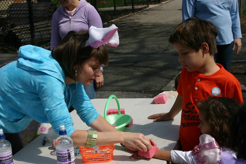 06.04.15 Easter Egg Hunt004.JPG