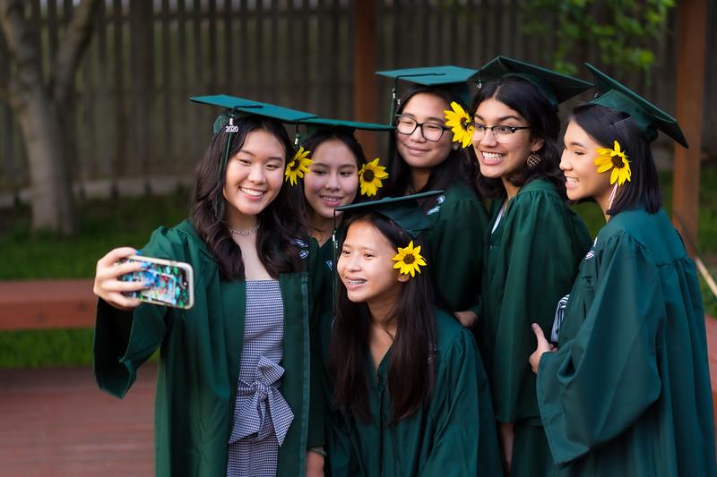 20200521_sarah-friends-connally-graduation_091.jpg