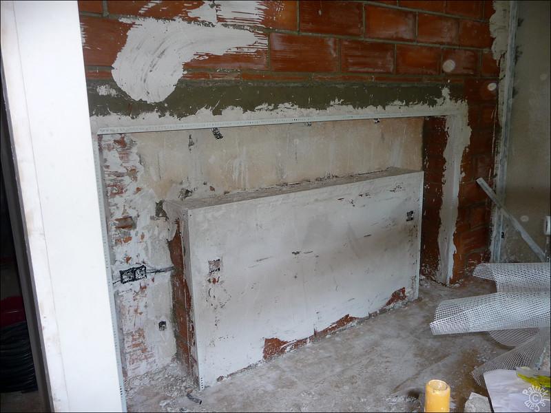 On se lance dans une tête de lit construit dans le mur