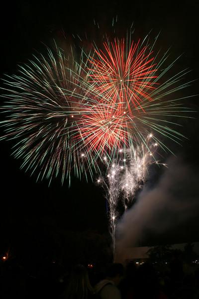 2007_1102putneyfireworks203.JPG