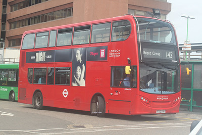 ADE40430, YX12GHN, London Sovereign, Watford Junction Station