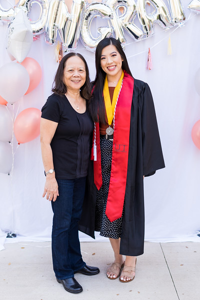 20191208_emilie-ut-grad-party_034.jpg