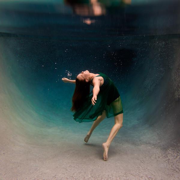 UnderwaterJeniSquare2.jpg