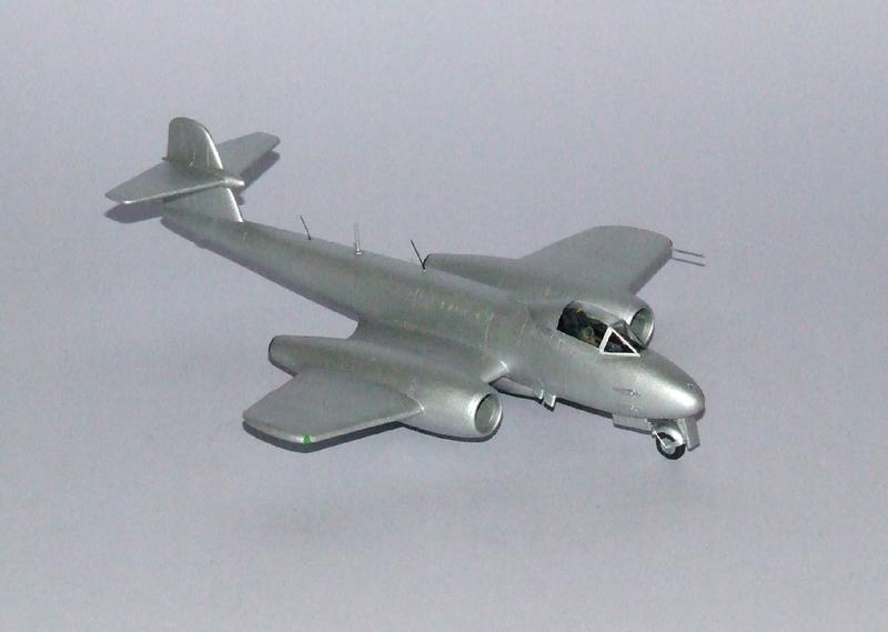Meteor F.8 A1, 07s.jpg