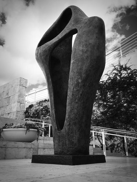 Getty_Sculpture_immense.jpg