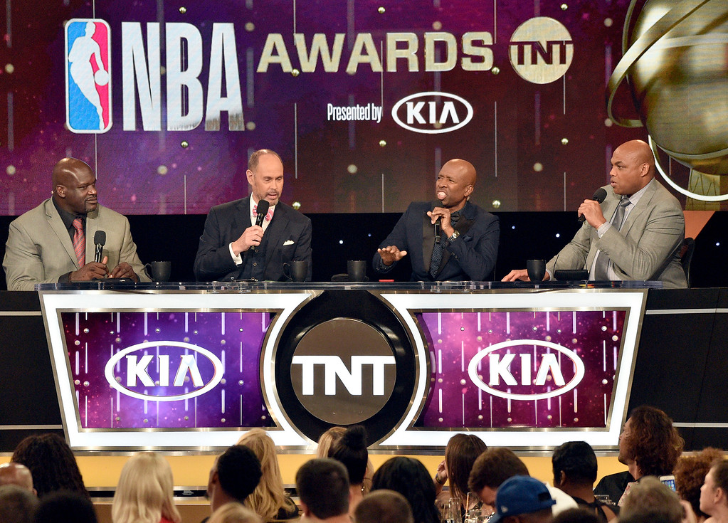 . Shaquille O\'Neal, from left, Ernie Johnson, Kenny Smith and Charles Barkley speak at the NBA Awards on Monday, June 25, 2018, at the Barker Hangar in Santa Monica, Calif. (Photo by Chris Pizzello/Invision/AP)
