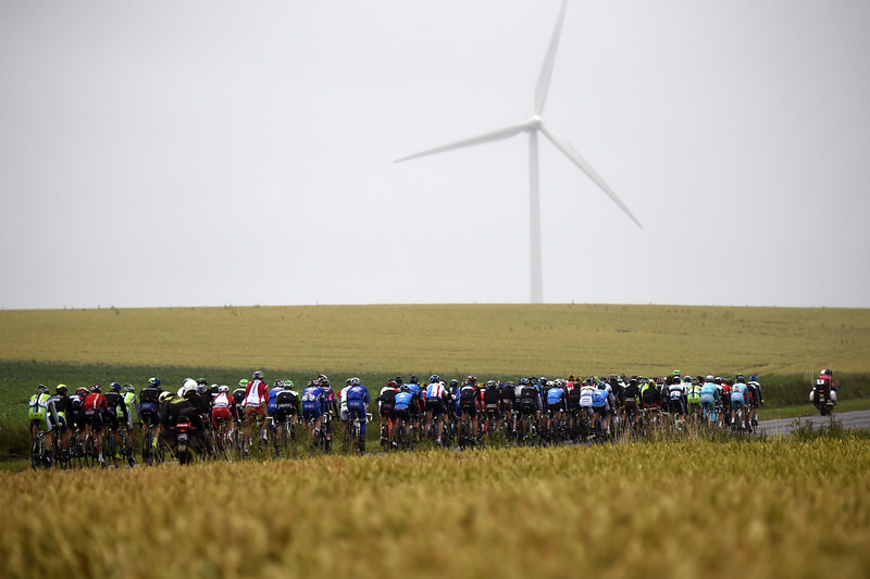 . The pack rides during the 194 km sixth stage of the 101st edition of the Tour de France cycling race on July 10, 2014 between Arras and Reims, northern France.  (ERIC FEFERBERG/AFP/Getty Images)