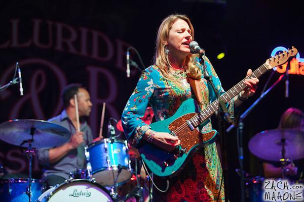 Derek Trucks and Susan Tedeschi Band-12.jpg