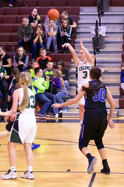 '17 Cyclones Girls Basketball 449.jpg