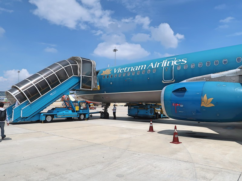IMG_0648-tarmac-boarding.jpg