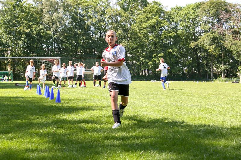 hsv_fussballschule-266_48048033422_o.jpg