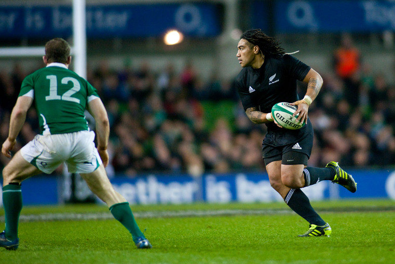 Ma'a Nonu looks to pass infront of Gordon D'Arcy. During the International rugby test with Ireland against the New Zealand All Blacks at Aviva Stadium Dublin. November 2010