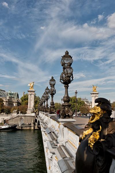Pont Alexander III bridge sculpture