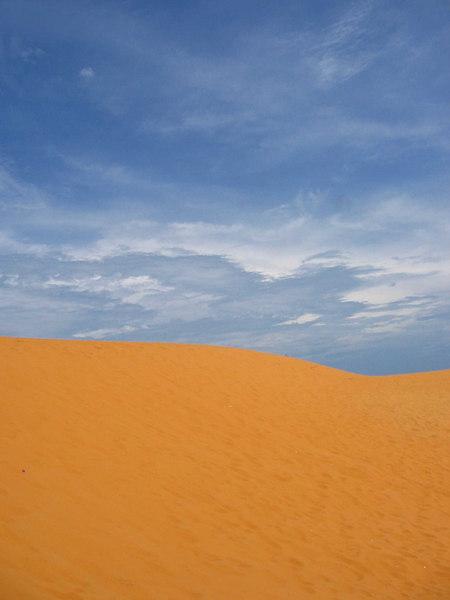 red sand dunes in mui ne