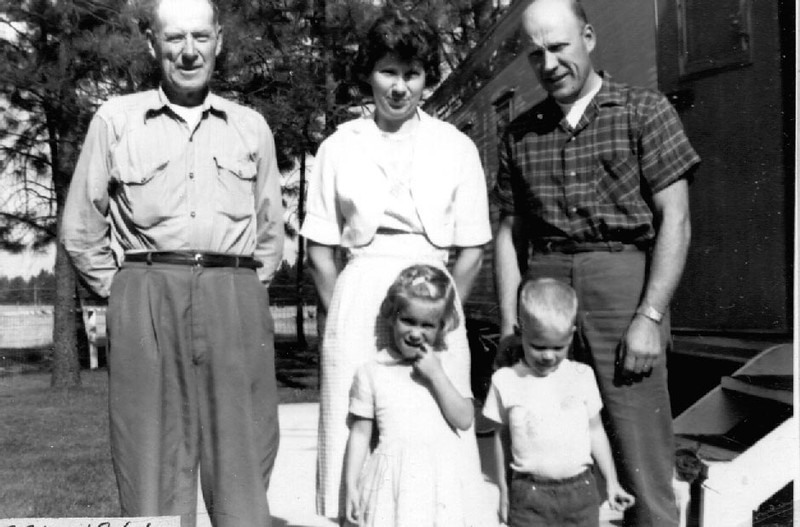 Everett Herdrich, Evelyn Jean and Wayne Cain with Laura and Lon