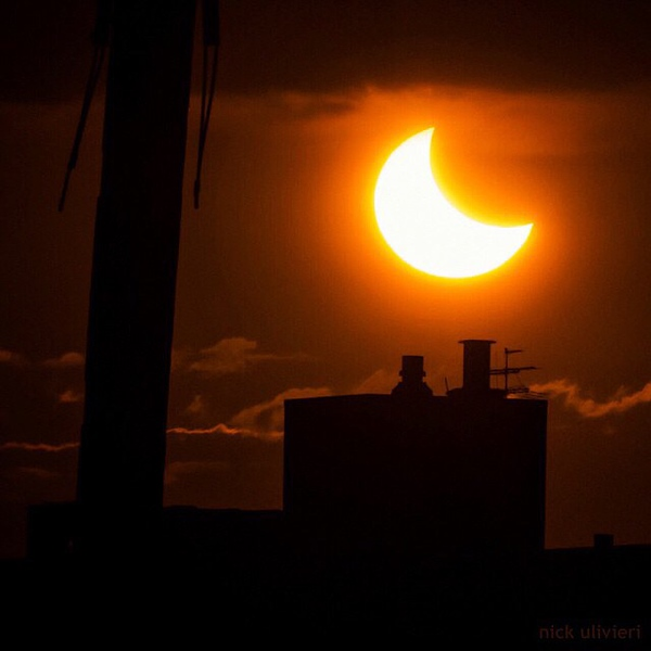 Reposted photo by @nick_ulivieri of the 3 minutes you could see this in Chicago today #eclipse