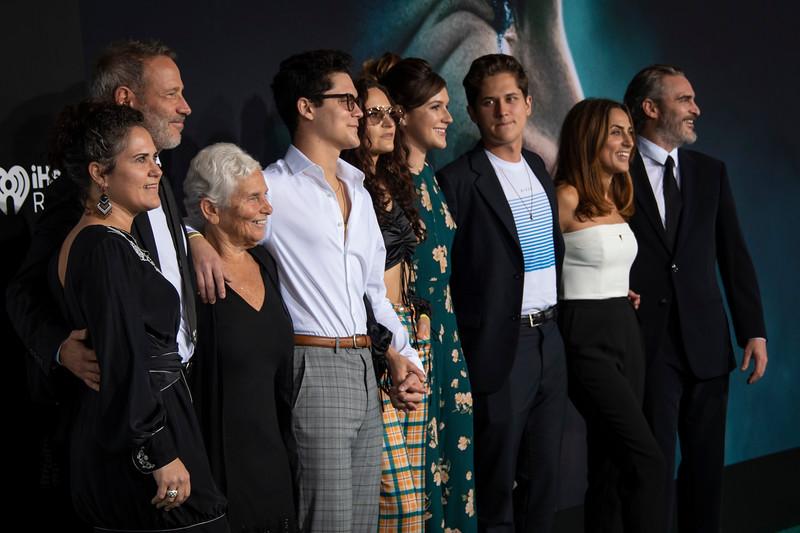 "HOLLYWOOD, CALIFORNIA - SEPTEMBER 28: Joaquin Phoenix, Summer Phoenix, Rain Phoenix and family attend the premiere of Warner Bros Pictures ""Joker"" on Saturday, September 28, 2019 in Hollywood, California. (Photo by Tom Sorensen/Moovieboy Pictures)"
