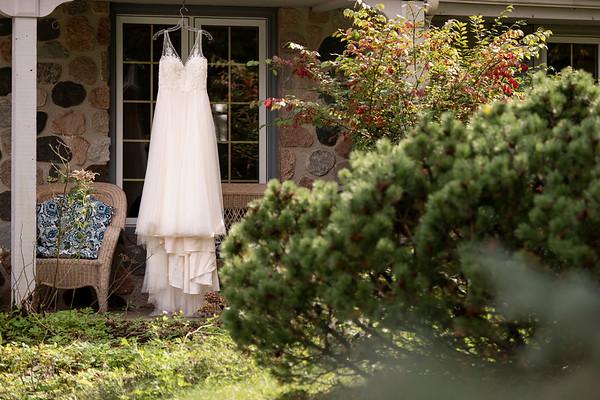 Courtney + Vinnie | Wisconsin Art Museum Wedding Photography