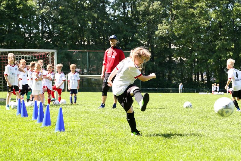 hsv_fussballschule-389_48047996638_o.jpg