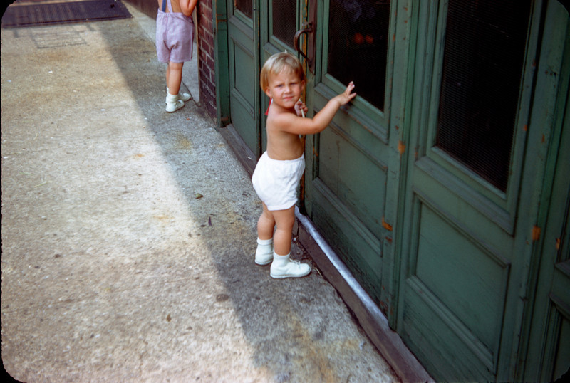 susan at green door july 1958.jpg