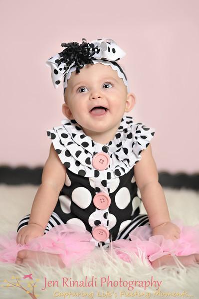 Raelyn {7 months} 7-31-12