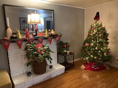 2019 Santa's Helpers House Decorating