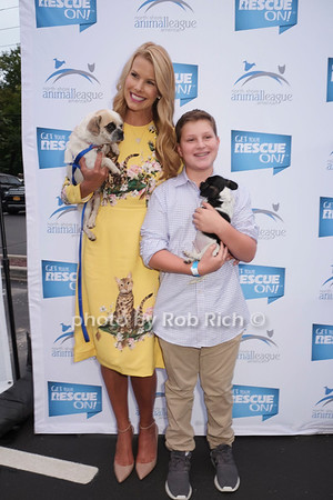 Beth Stern hosts a benefit for North Shore Animal  League America at PRIME restaurant in Huntington on 9-13-17.   all  photos by Rob Rich/SocietyAllure.com ©2017 robrich101@gmail.com 516-676-3939